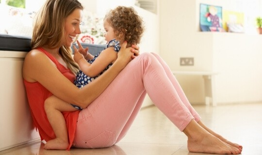 mom connecting with toddler