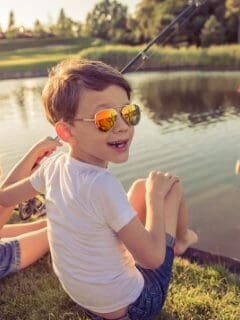 kids summer activity fishing