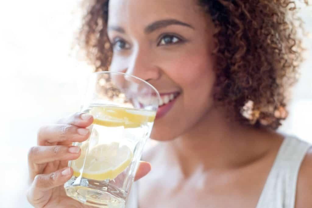 Lemon water benefits for the skin