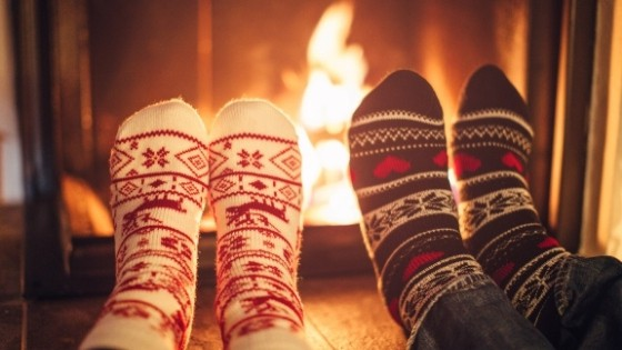 5 Ways To INSTANTLY Make Your Home Cozy This Winter